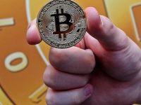 Maaşlar da Bitcoin ile ödenecek