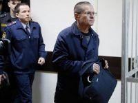 Eski bakana 8 yıl hapis