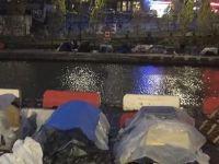 Paris'te binlerce kişi sokaklarda yaşıyor