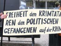 Berlin'de Kırım Tatarlarına destek gösterisi