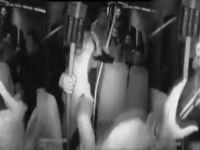 Engelli gence minibüste saldırı