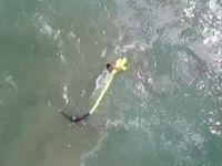 Dron 2 genci boğulmaktan kurtardı