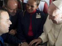 Papa uçakta nikah kıydı