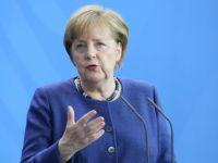 Merkel: En güçlü şekilde lanetliyoruz