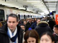 Tren, otomobile çarptı: anne ve 3 çocuğu öldü