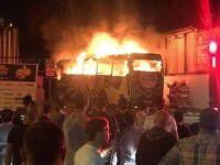 Altay takım otobüsü alev alev