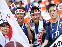 Japon taraftarlar gönülleri de kazandı