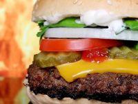 Hamburger köftesi laboratuvarda üretilecek
