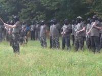 Avusturya sınırında silahlı ırkçılar
