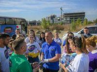 Kosova Başbakanı sokaklarda çöp topladı