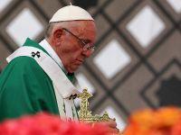 Macron Papa'yıFransa'ya davet etti