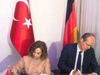 Almanya ile Türkçe protokolü imzalandı