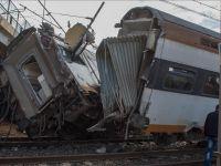 Tayvan'da yolcu treni raydan çıktı: 17 ölü