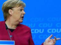 Merkel'e kabineyi gençleştirme çağrısı