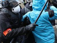 Fransa'da 720 gözaltı, 33 yaralı