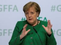 Merkel'den dijitalleşme uyarısı