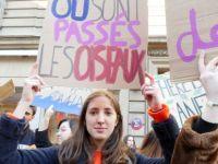 Fransa'da öğrenciler de sokakta