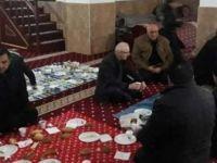 AKP'den camide kahvaltı