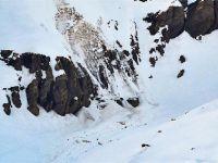 Himalayalar'da çığ düştü: 6 ölü