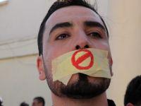 Sansür protestosunda 15 gazeteciye gözaltı