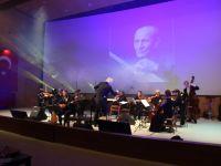 Berlin Senfoni'den Aşık Veysel konseri