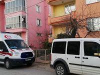 Balkonda ölen gurbetçiyi komşusu fark etti
