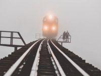 Almanya'da yük trenine tırmanan genç öldü
