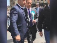 İngiliz siyasetçiye 'milkshake'li saldırı