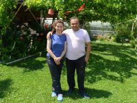 Gurbetçi çift huzuru köyünde buldu