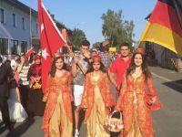 175 yıllık festivale Türkler renk kattı