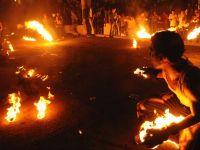 Festivalde ateş topları havada uçuştu