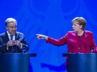 Merkel: Suriye'de siyasi değişim şart