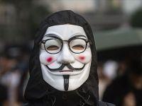 Hükümetin maske yasağına ret
