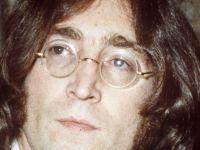 John Lennon'un gözlüğü rekor fiyata satıldı