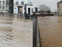 Fransa'yı şimdi de sel vurdu: 2 ölü, 5 yaralı