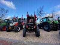 Hollanda'da çiftçiler hükümetin tarım politikasını protesto etti
