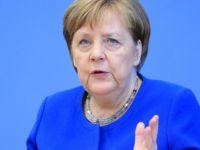 Merkel: Irak'a mali desteğe hazırız