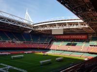 Stadyumlar da hastaneye dönüştürülüyor