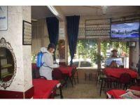 Şehzadeler Belediyesi kahvehaneleri dezenfekte ediyor