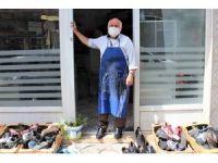 78 yaşındaki ayakkabı tamircisi 73 gün sonra kepenk açtı