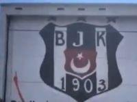 ABD'deki Protestolarda Dikkat Çeken Beşiktaş Yazısı