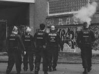 Virüs değil sağcıların saldırı tehdidi: Almanya'da polis eşliğinde ibadet