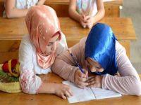İsviçre'de başörtülü öğrenciyi okula almadılar