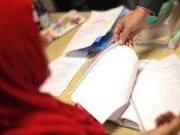 Belçika'da okullarda başörtüsü yasaklandı