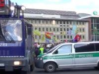 Almanya'da PKK standında saldırı