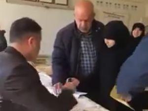 Suriyelilere açıkta 'evet' oyu kullandırıldı