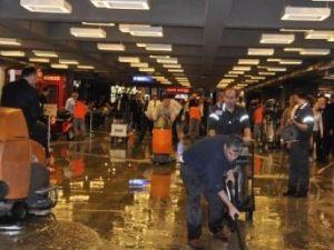 Atatürk Havalimanı'nı su bastı