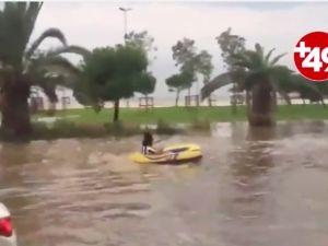 Yağmur, İstanbul'da yine hayatı durdurdu