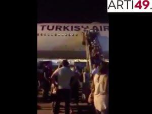 THY uçağının kliması bozuldu, fenalaşan yolcular isyan etti