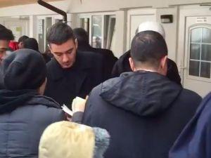 Diyanet, Almanya'da mültecilere Kuran dağıttı